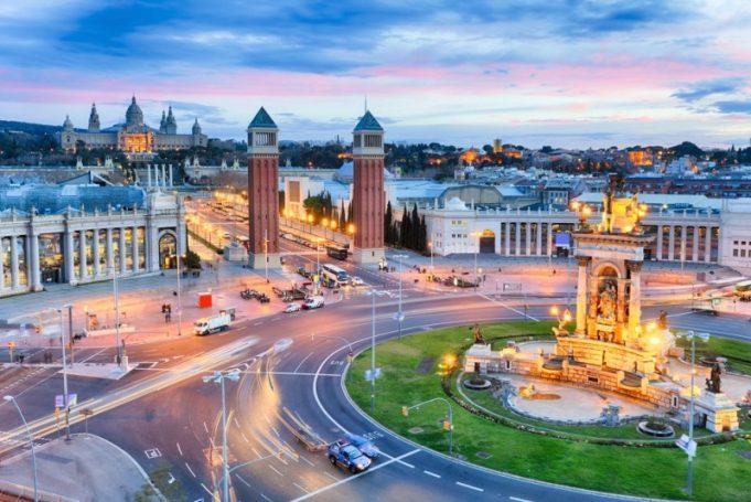 Storbyferie i Barcelona med fantasifuld arkitektur, tapas-lækkerier og fodbold i verdensklasse
