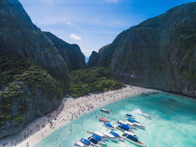 Berømt film-strand forlænger nedlukning